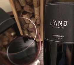logo250x220lands-vineyard